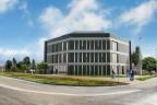 Budynek handlowo usługowy na sprzedaż. 650 m2, parking podziemny na 15 aut. Nowoczesna architektura