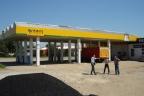Stacja benzynowa + lokale handlowe