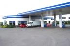 Stacja paliw z myjnią i restauracją