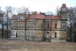 Pałac z 19w. + budynek gorzelni bez konserwatora