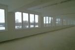 Wynajem powierzchni handlowej w odnowionym budynku dwupiętrowym