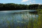 Działka inwestycyjna z linią brzegową jeziora