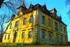 Zespół pałacowo - parkowy z zabudową gospodarczą, grunty rolne i mieszkaniowe pow. 139 ha, pow. średzki