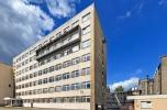 Atrakcyjna nieruchomość z przeznaczeniem na biurowiec lub hotel bejmuje dwie działki w Warszawie