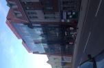 Budynek  z sieciową apteką na sprzedaż