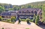 Duży funkcjonujący kompleks hotelowy na działce 14,65 ha na Jurze Krakowsko-Częstochowskiej.