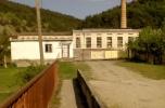 Fabryka producent wody mineralnej, producent szklanej butelki