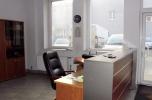 Hala z pomieszczeniami socjalno-biurowymi