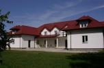 Pensjonat i stajnia, ponad 2 ha posiadłość 60 km od Warszawy