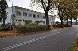 Zakład produkcyjny, budynek administracyjny, plac, bocznica